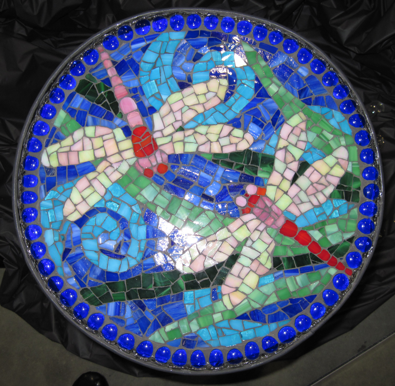 1000 images about mosaic dragonflies on pinterest for Garden mosaic designs